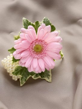 Guests Wrist Corsages